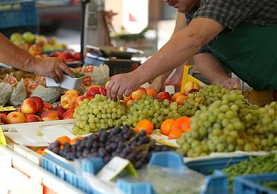 Obst auf dem Wochenmarkt in Bad Sachsa